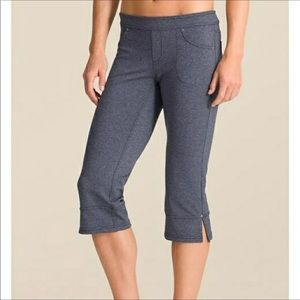 Athleta Bettona Classic Capri